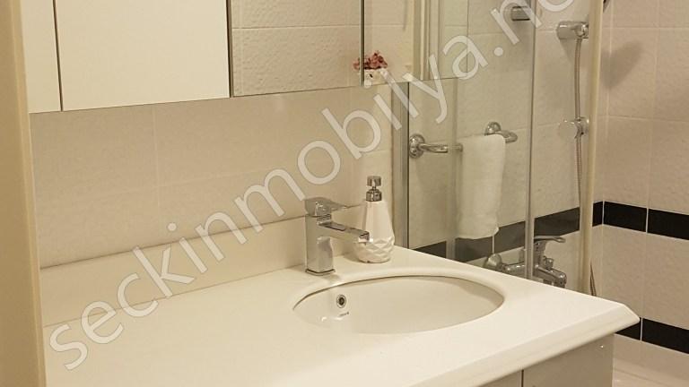 Beyaz Akrilik Banyo Dolabı - Tezgah Corian