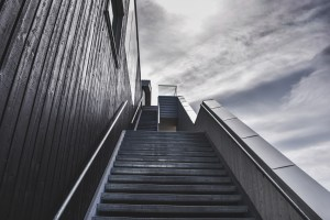 stairs-918735_1920