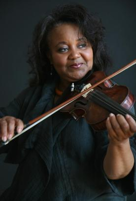 renee-baker-with-violin