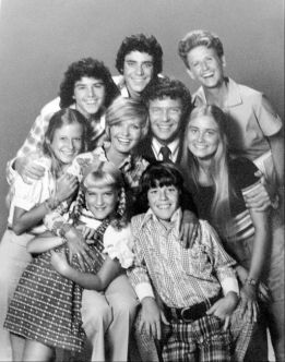 512px-Brady_Bunch_full_cast_1973