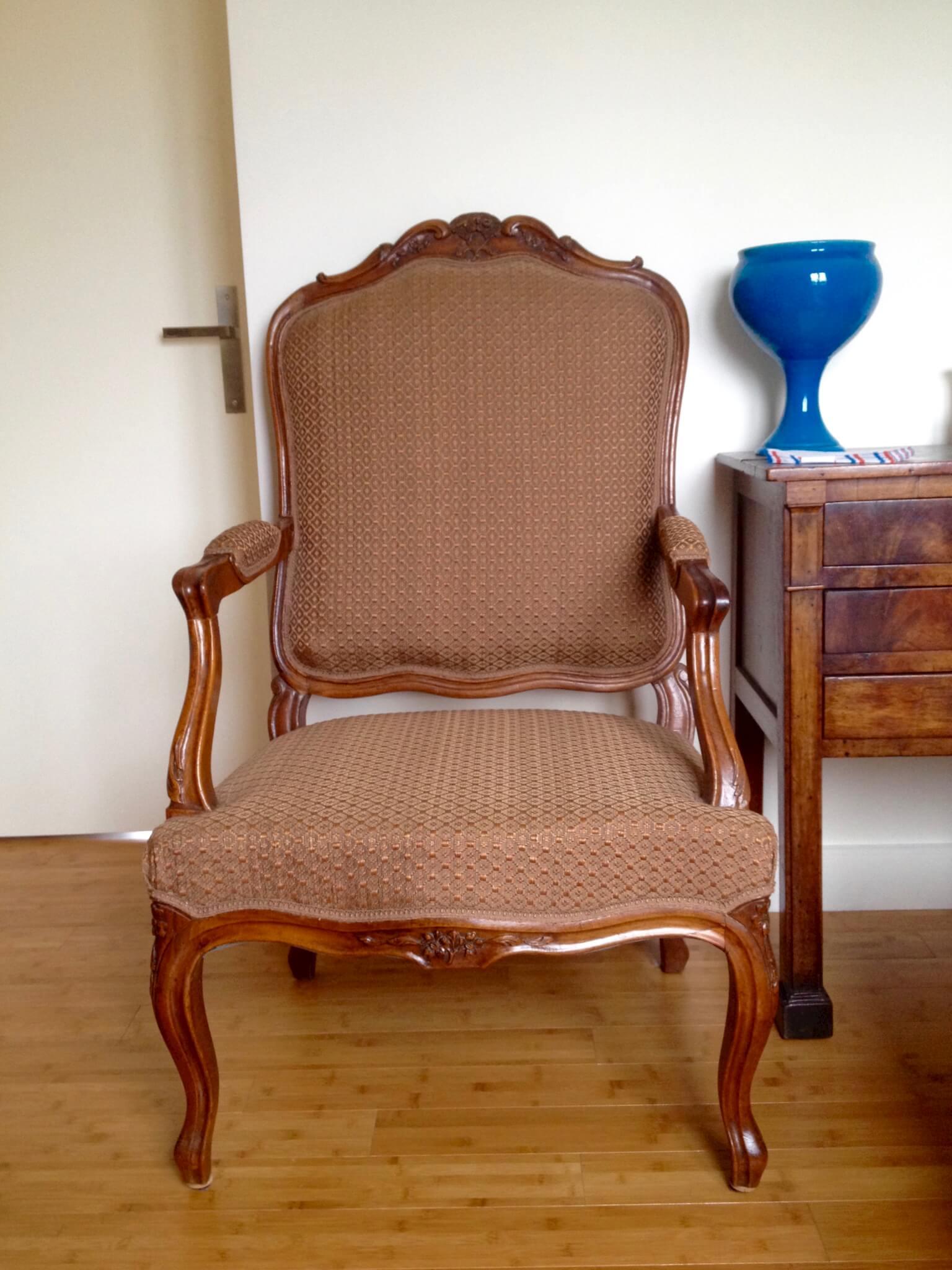 fauteuil a la reine de style louis xv