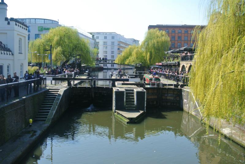 camden lock canal