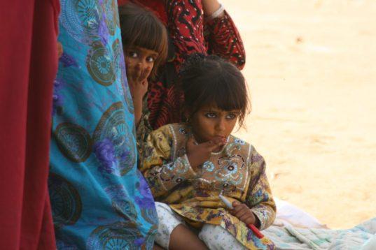 Besuch der Beduinen mit Kamelreiten in Wahiba Sands