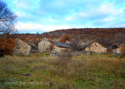 There are over 20 stone cottages
