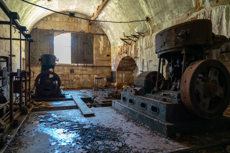 Power generator room at Brioni Minor fortress
