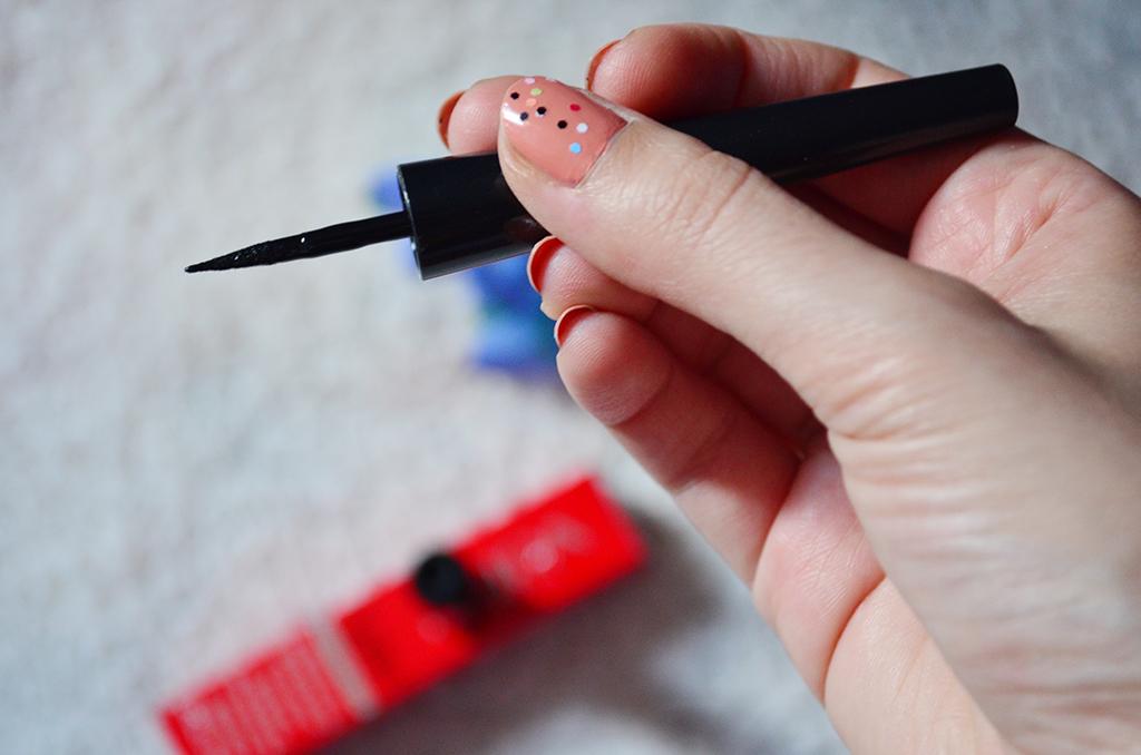 recenzie eyeliner pupa milano vamp waterproof