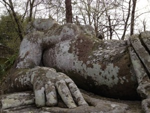 sacro-bosco-reclining-lady-earth-goddess-1335461498_b