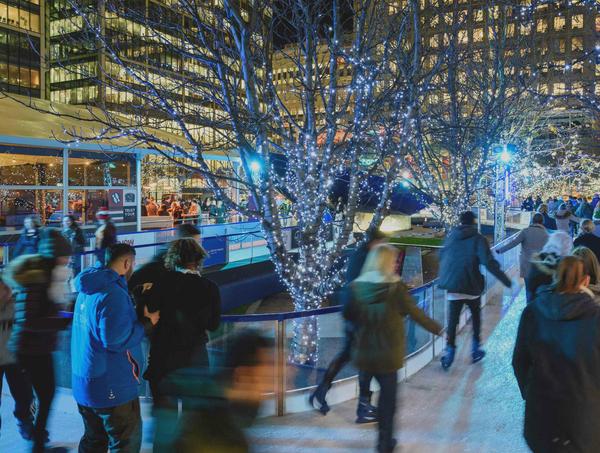 canary-wharf-ice-rink-london-skating-winter