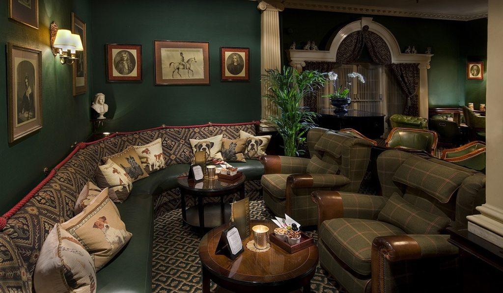 terrace-bar-interior