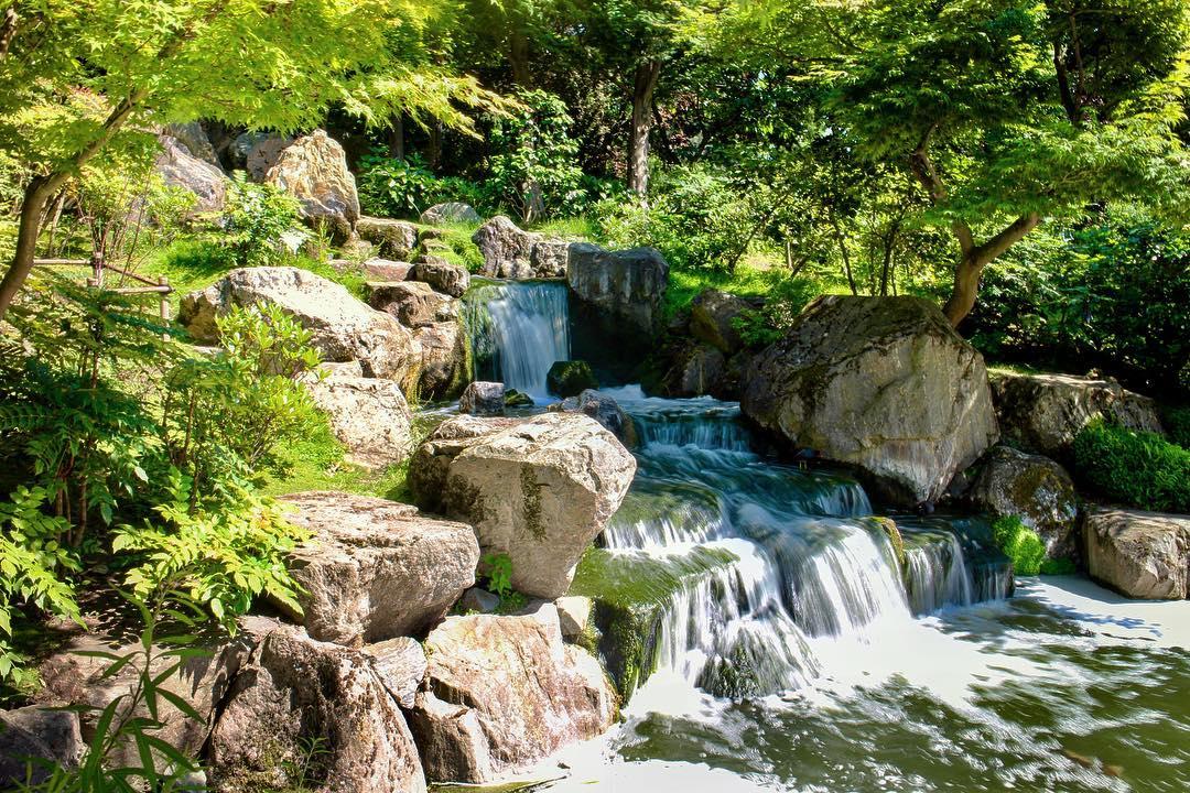 kyoto-garden-spring-waterfall