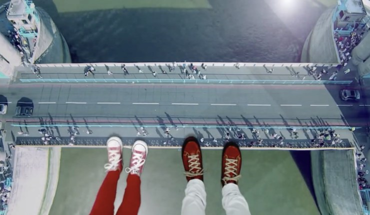 London S Tower Bridge Has A Glass Floor And It S Pretty