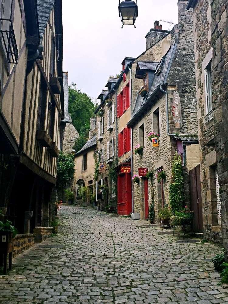 Pretty streets of Dinan - Weekend in Saint-Malo