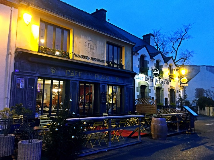 Restaurant on the main place - St Gildas de Rhuys