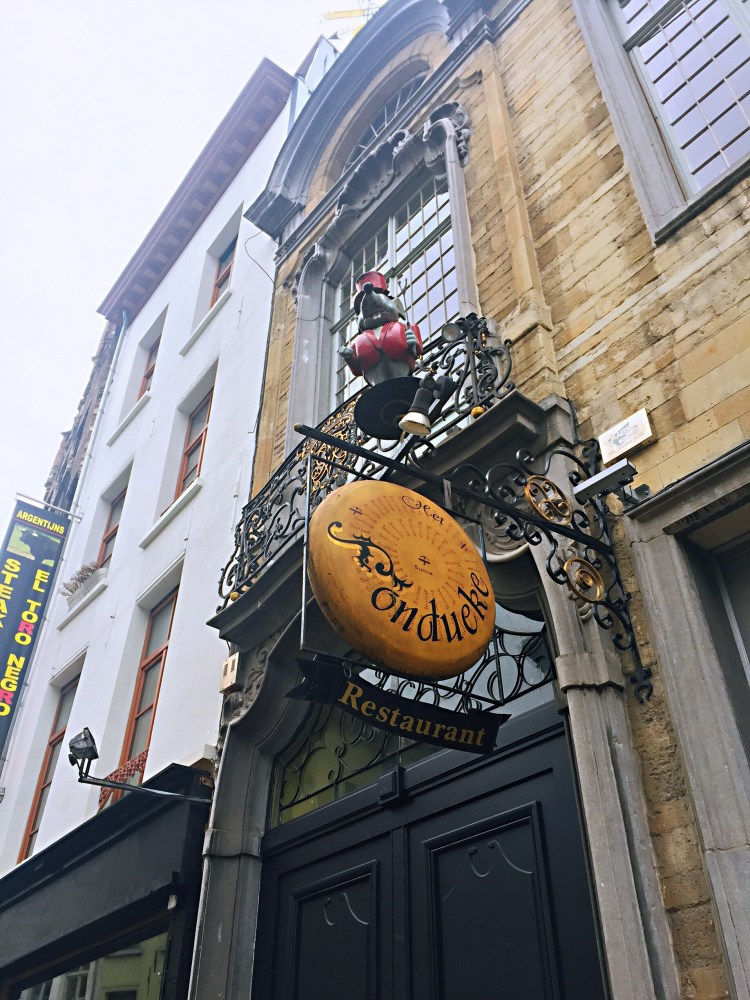 Fondue restaurant in Antwerp - Belgium photo diary