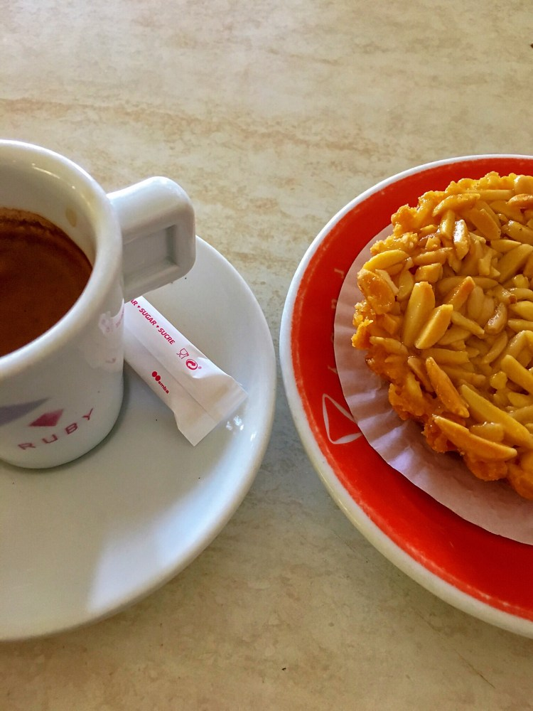 Cafe and pastry - Things to do in Aveiro