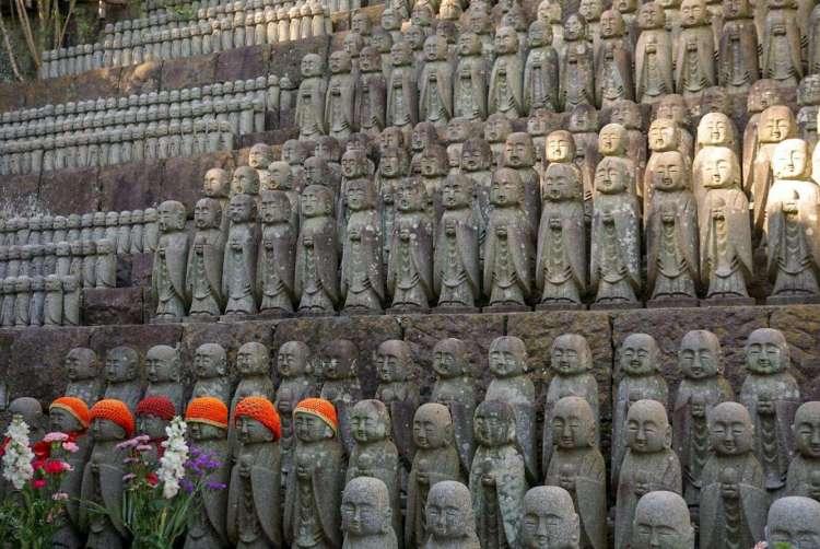 Rows of small Jizo statues - Kamakura day trip