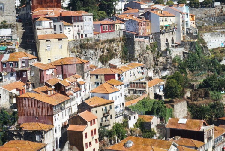 Ribeira orange rooftop houses - 2 days in Porto, Portugal