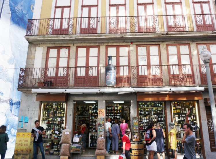 Port wine shop - 2 days in Porto, Portugal