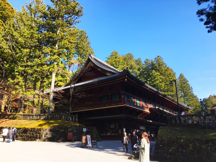 Less than two-hour train ride from the hustle and bustle of Tokyo, you will find Nikko. Discover this beautiful area via this complete travel guide to Nikko.
