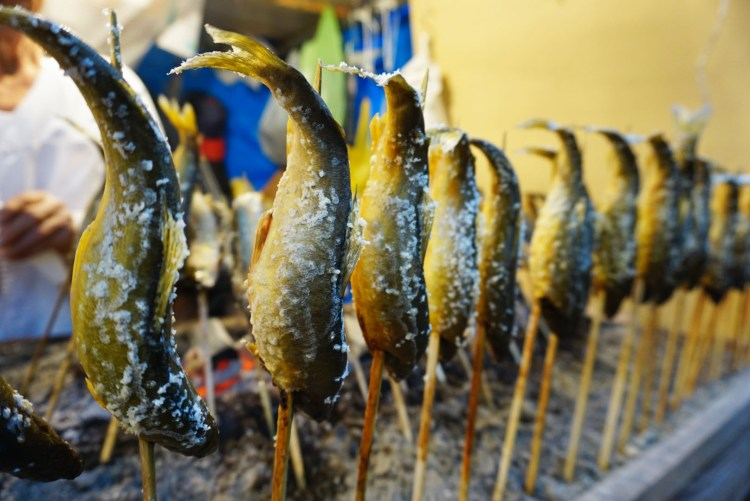 13 reasons to visit Japan in autumn: grilled sanma fish