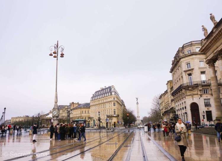 Weekend in Bordeaux things to do: Place de la Comédie