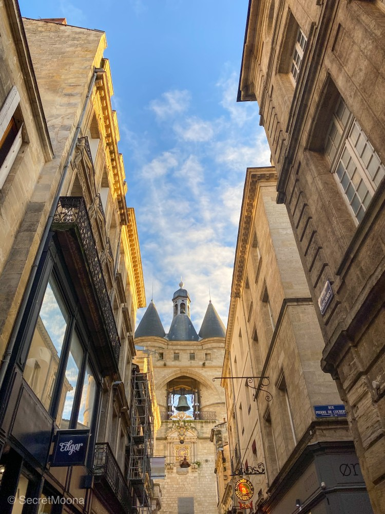 Weekend in Bordeaux things to do: see Grosse Cloche