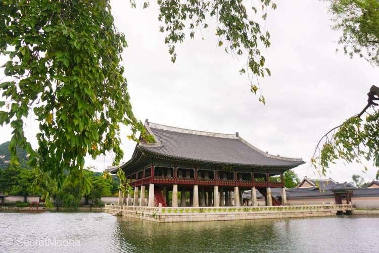 Five Grand Palaces of Seoul - Gyeonghoeru Pavilion