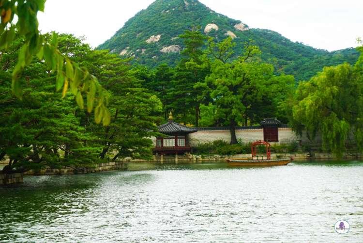 Korea bucket list - Visit Gyeongbokgung Palace