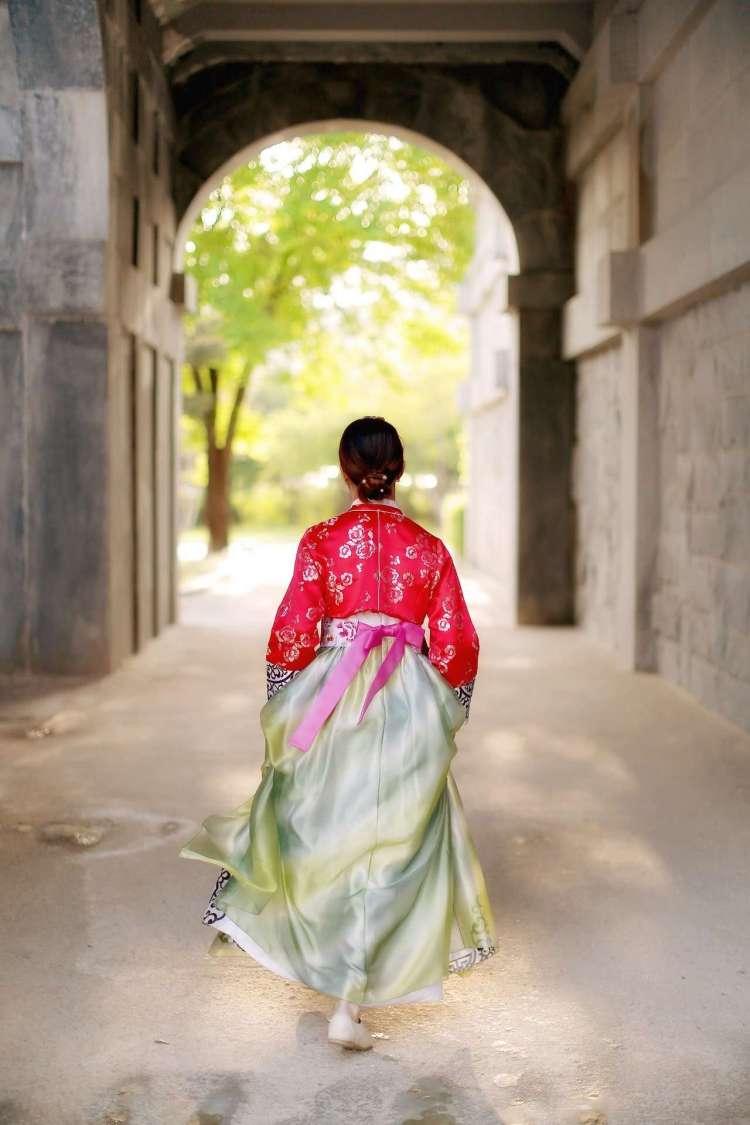 South Korea bucket list - wearing a hanbok