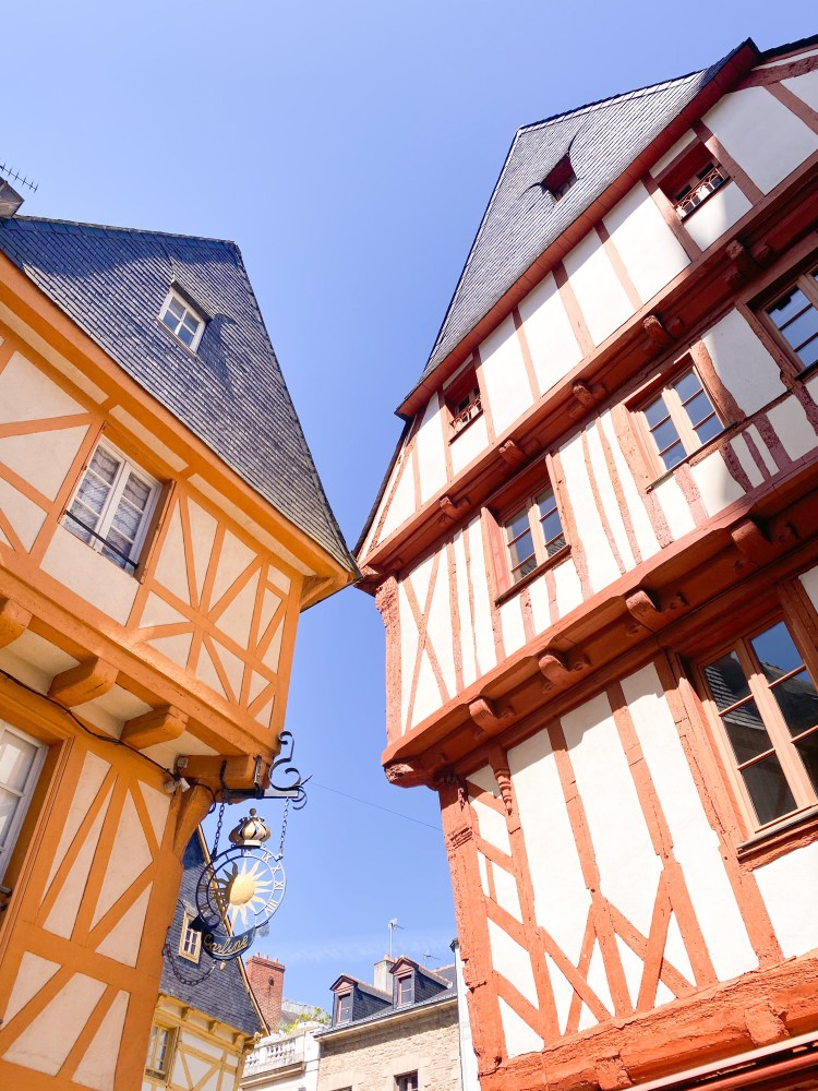 Half timbered houses so close it seems they are kissing