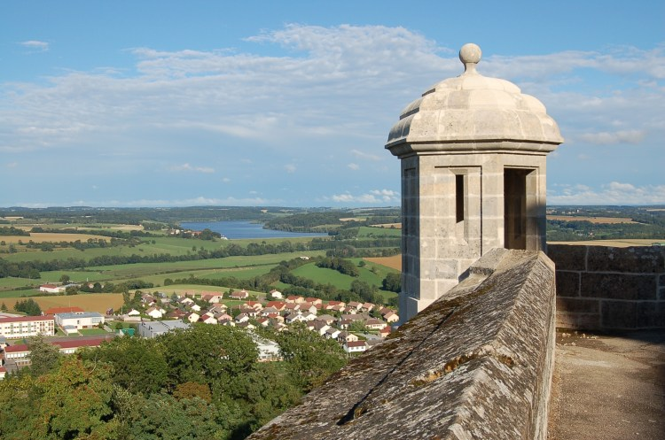 View of Langres' landscape from the fortified ramparts .