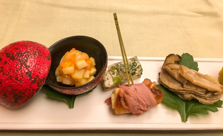 A set of small dishes served at Kaiseki ryori