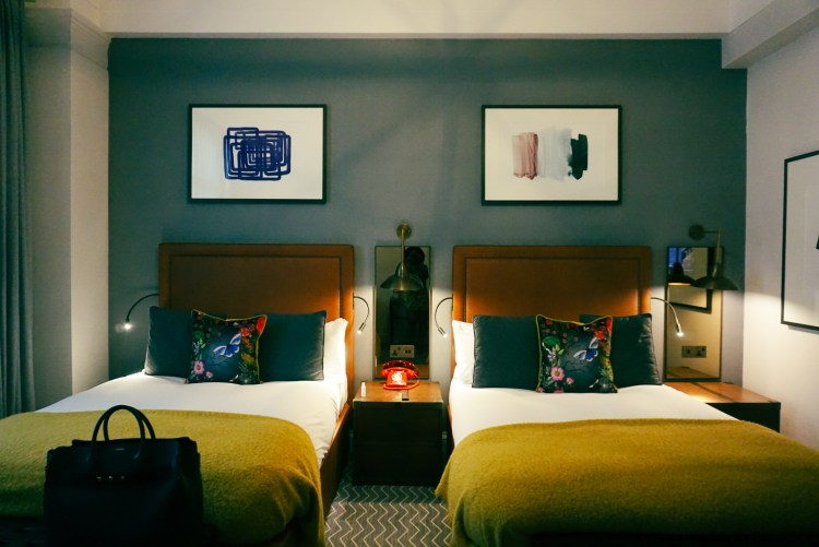 Two double beds - Kimpton Hotel
