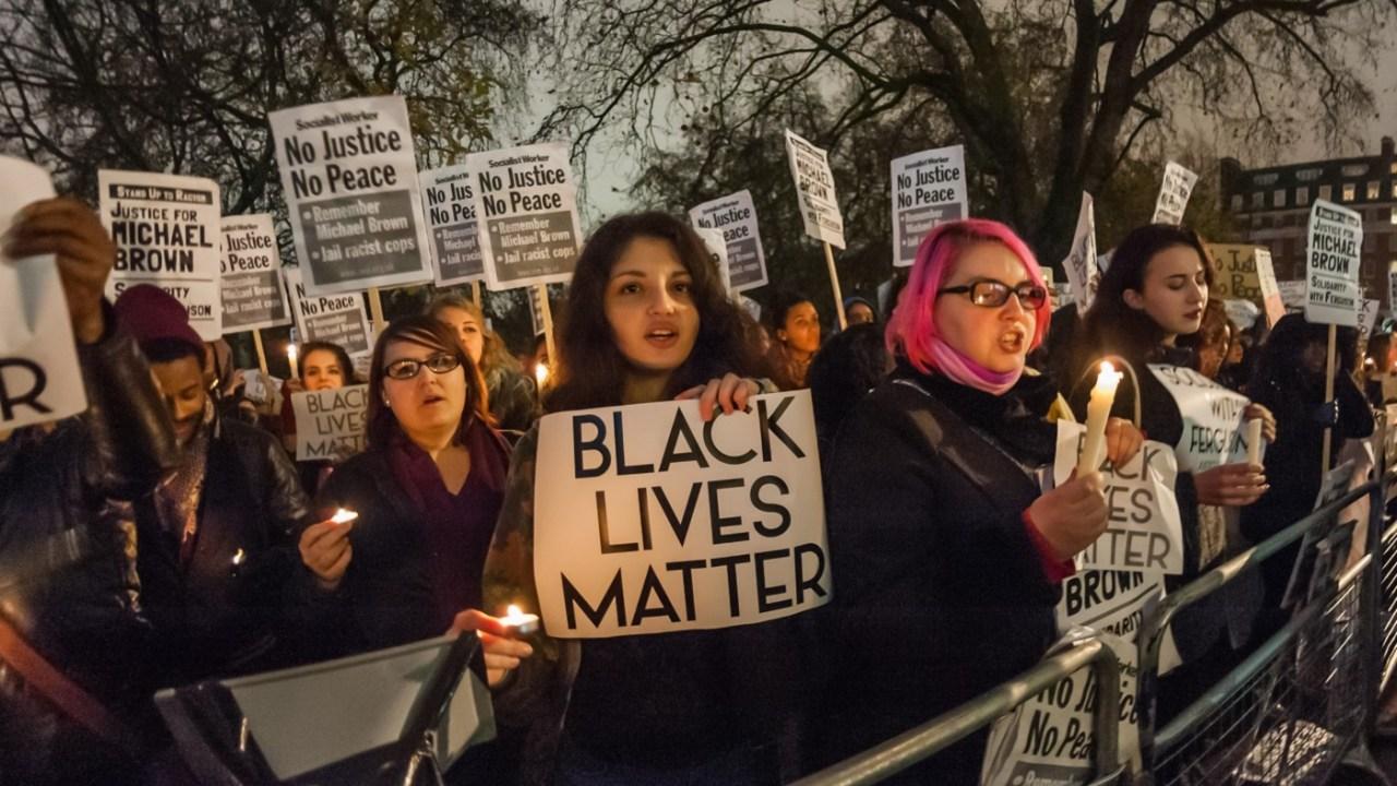 black-lives-matter USA : Un policier blanc tire 917 fois sur un enfant noir de 3 ans. Horreur !