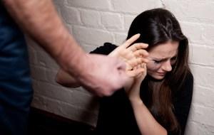 A partir du 01 janvier, les femmes battues pourront assassiner leurs maris sans risque d'être poursuivies