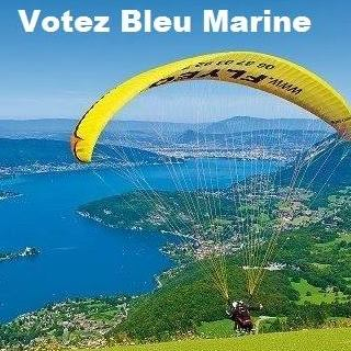 montage-Marine-Le-Pen-13 TOP 50 des plus beaux montages photos de Marine Le Pen : Il y a du talent au FN !