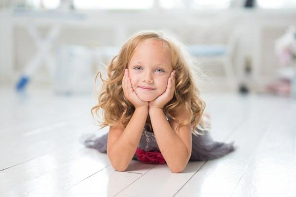 Élue plus jolie petite fille du Web en 2003, Aurélia a grandi : voici ce qu'elle est devenue