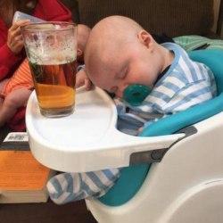 Lille : à 5 mois Jordan boit déjà 4 litres de bière par jour - L'alcoolisme des nourrissons de + en + préoccupant