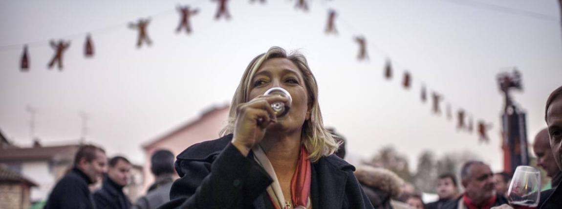 """marine-le-pen-alcool-vin-alcoolisme Marine Le Pen évoque son combat contre l'alcoolisme et la dépression - """"Je voulais m'en sortir"""""""
