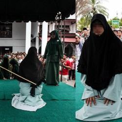 Indonésie : une femme fouettée pour avoir oublié de rire pendant son viol