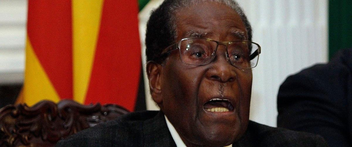 Remaniement : Robert Mugabe pourrait succéder à Jean-Yves le Drian aux affaires étrangères