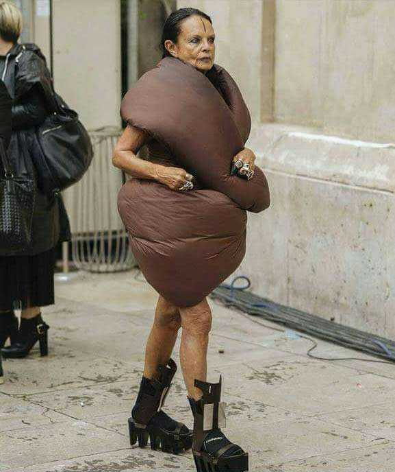 """veste-caca-mode-moche Mode : la veste """"étron"""", découvrez LA grande tendance du printemps"""