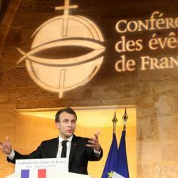 Stupeur: Emmanuel Macron révoque l'Édit de Nantes