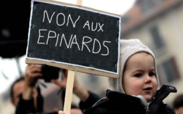 manifestation-enfant-300x187 Écoles maternelles bloquées : les enfants mobilisés contre les épinards à la cantine