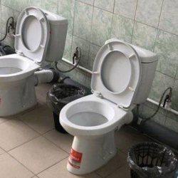 Vigipirate : les portes des toilettes retirées dans les bâtiments publics pour des raisons de sécurité