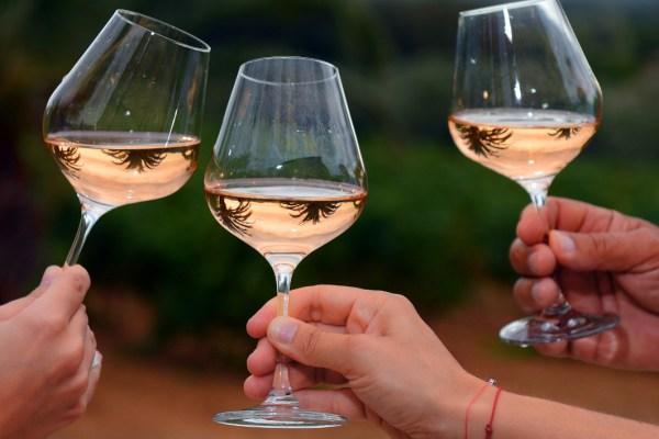 L'alcool étant dangereux dès le 1er verre, l'OMS conseille de ne boire qu'à partir du 2ème
