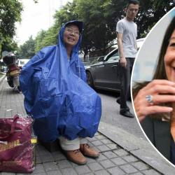 Paris : Anne Hidalgo veut distribuer des toilettes portables aux touristes asiatiques