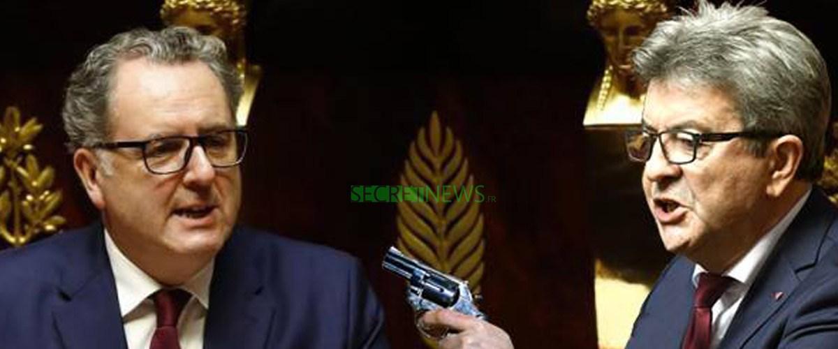 Jean-Luc Mélenchon braque le président de l'Assemblée Nationale pour qu'il le note « présent »