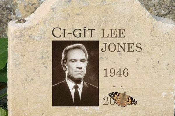 """""""Ci-gît Lee Jones"""" – En soutien aux Gilets Jaunes, l'acteur Tommy Lee Jones s'est donné la mort hier soir"""