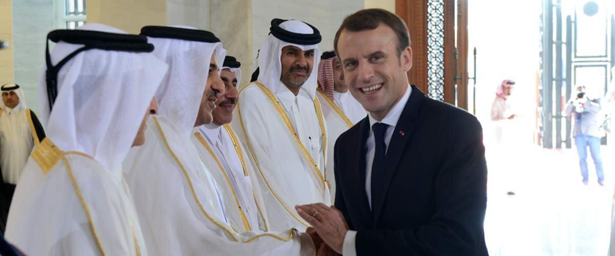 """""""L'essence sera moins cher et moi j'aurai la paix"""" - Macron veut vendre la France au Qatar avant de démissionner"""